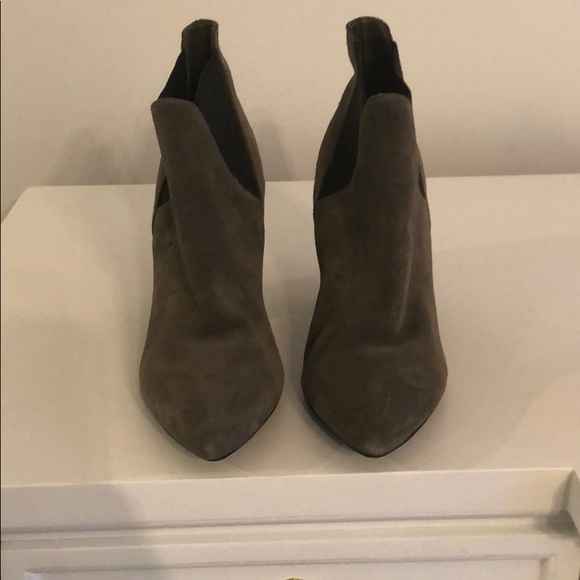 Grey/black Crown vintage ankle bootie